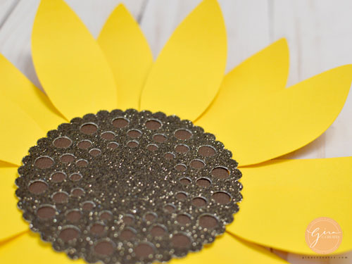 photograph about Free Printable Sunflower Template titled Do it yourself Paper Sunflower with cost-free SVG template Gina C. Generates