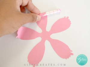 how to curl a paper flower petal