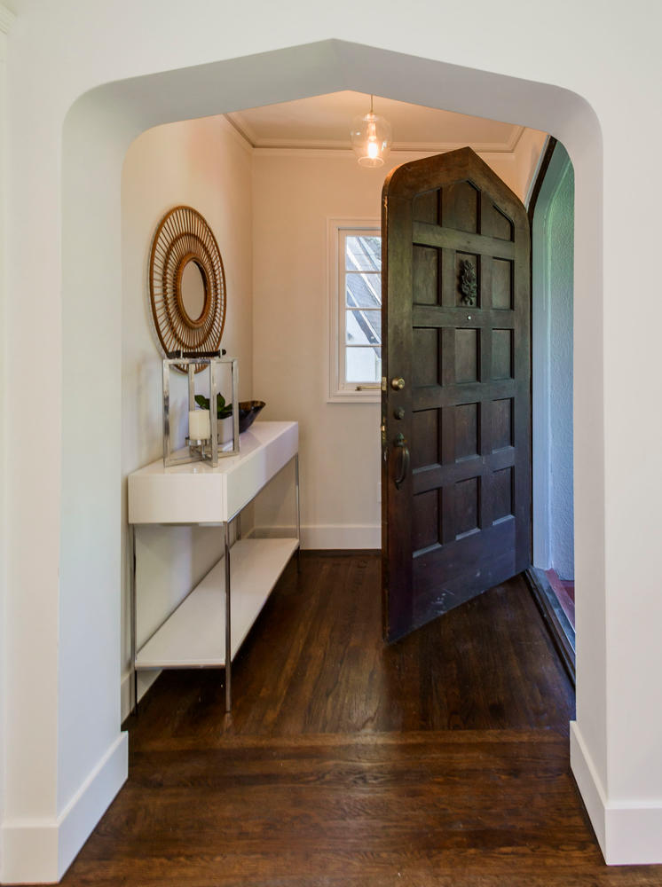 747 Occidental Ave San Mateo-large-002-8-Entryway-747x1000-72dpi