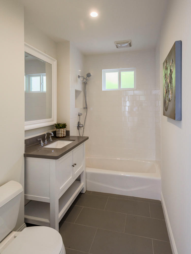 747 Occidental Ave San Mateo-large-014-2-Bathroom-752x1000-72dpi