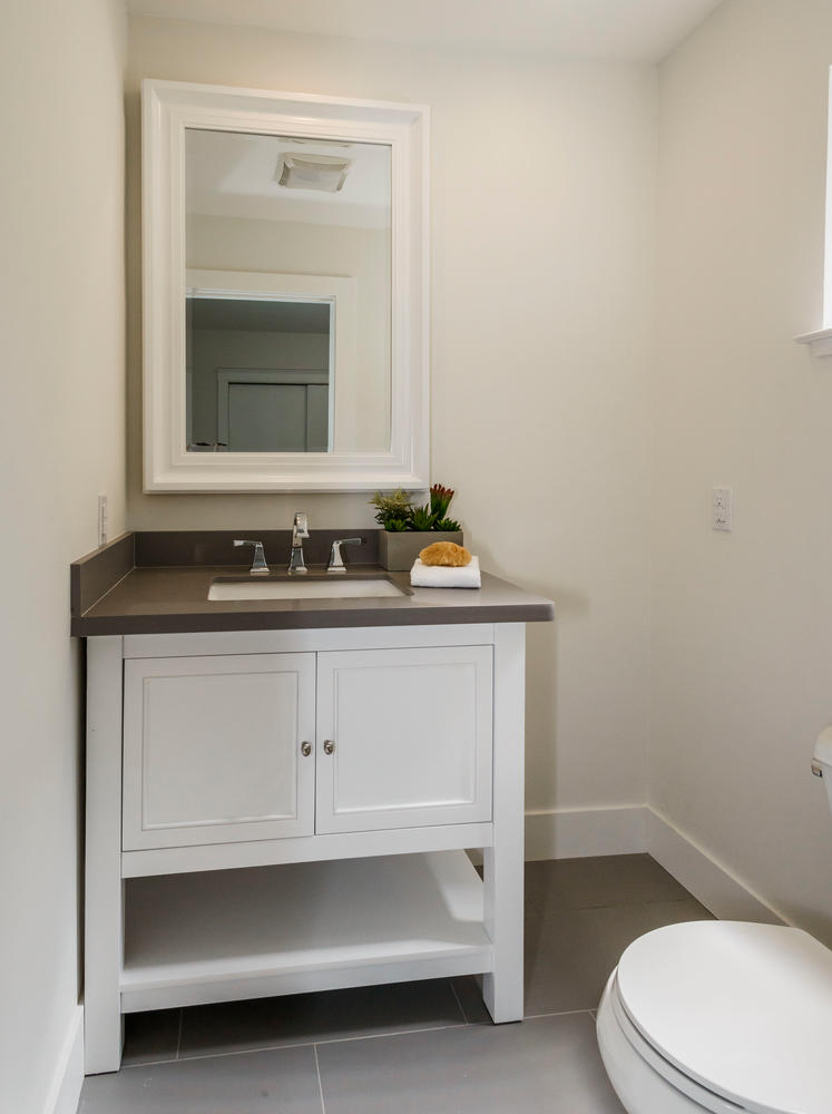 747 Occidental Ave San Mateo-large-015-1-Half Bathroom-747x1000-72dpi