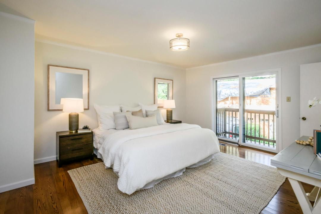 3029 Canyon Rd Burlingame CA-large-018-13-Master Bedroom-1500x1000-72dpi