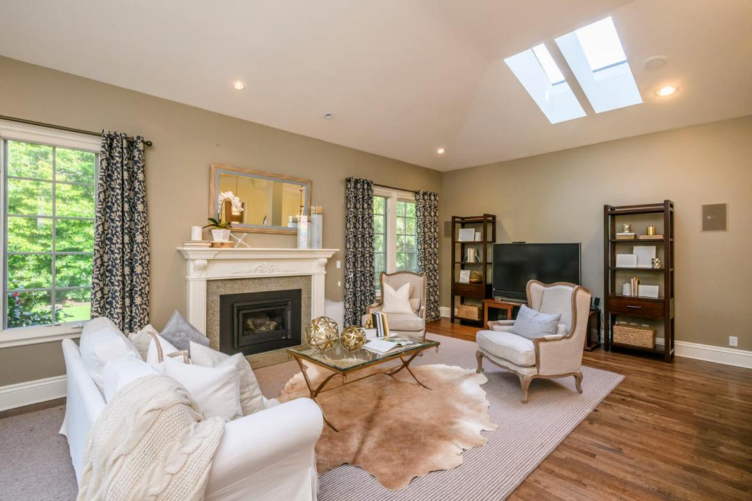 724 Edgewood Rd San Mateo CA-large-014-16-Family Room-1500x1000-72dpi