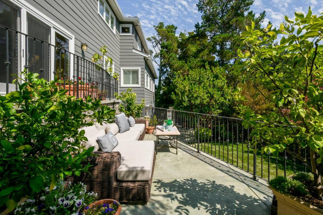 108 La Loma Ln Burlingame CA-large-011-2-Patio-1500x1000-72dpi
