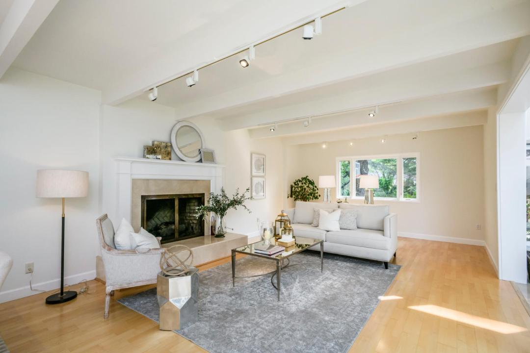 110 Los Montes Dr Burlingame-large-005-29-Living Room-1500x1000-72dpi
