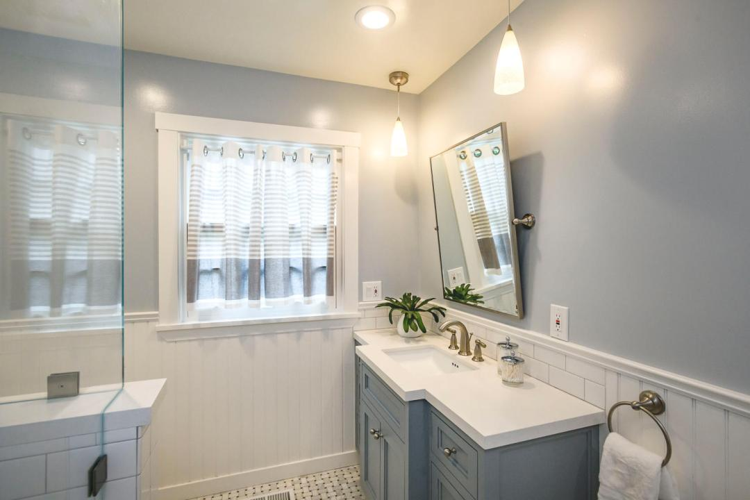 1812 Barroilhet Ave Burlingame-large-033-59-Bathroom-1500x1000-72dpi
