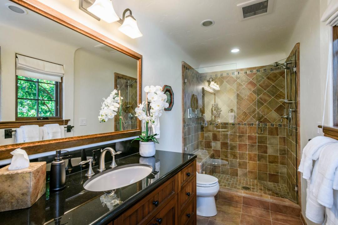 280 Robin Rd Hillsborough CA-large-041-93-Bathroom-1500x1000-72dpi