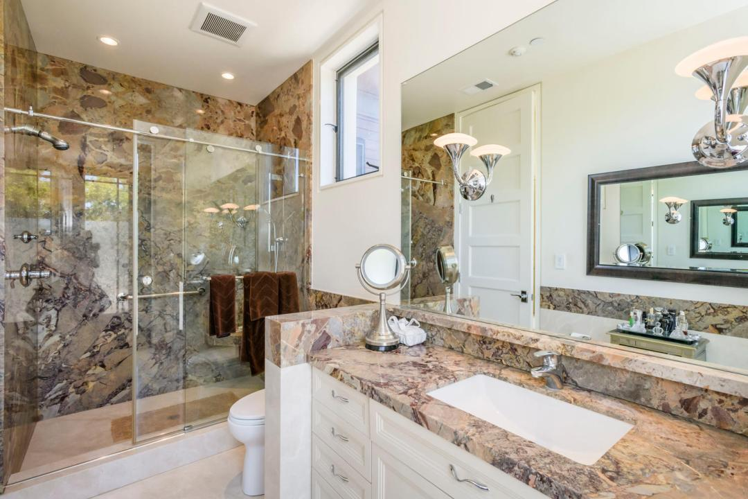 930 Hillsborough Blvd-large-027-43-Bathroom-1500x1000-72dpi