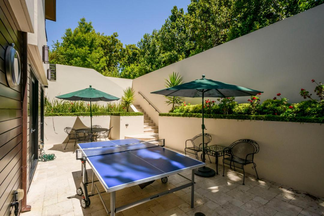930 Hillsborough Blvd-large-040-27-Courtyard-1500x1000-72dpi