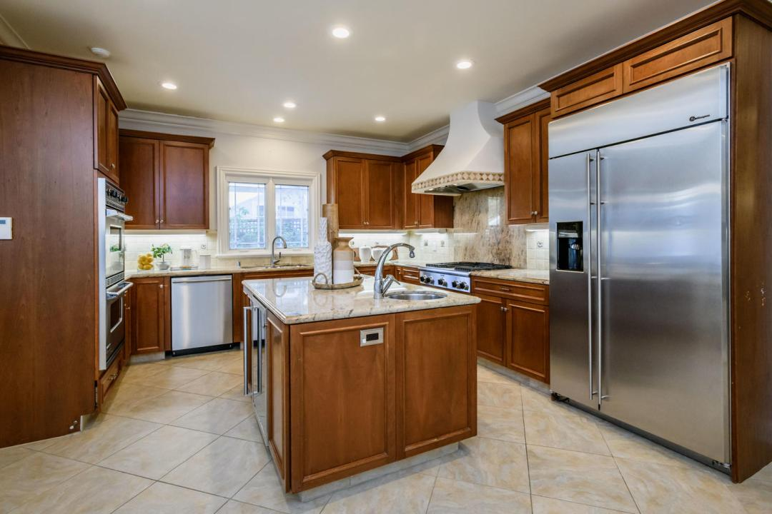 840 Newhall Rd Burlingame CA-large-015-18-Kitchen-1500x1000-72dpi