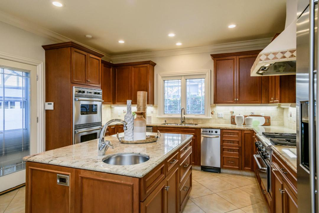 840 Newhall Rd Burlingame CA-large-019-9-Kitchen-1500x1000-72dpi
