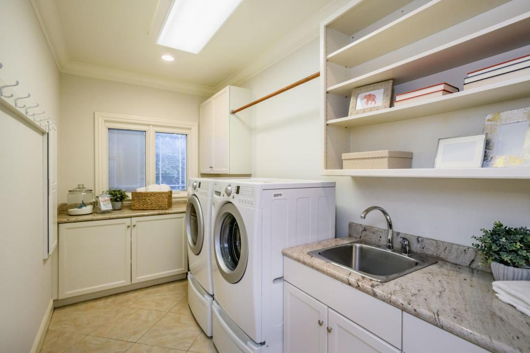 840 Newhall Rd Burlingame CA-large-021-31-Laundry-1500x1000-72dpi