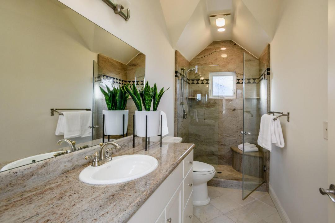 840 Newhall Rd Burlingame CA-large-034-4-Bathroom-1500x1000-72dpi