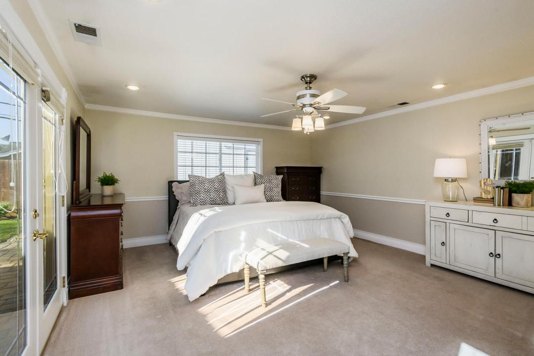 1232 Connecticut Dr Redwood-large-013-2-Master Bedroom-1500x1000-72dpi
