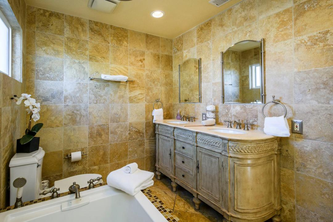 1232 Connecticut Dr Redwood-large-015-11-Master Bath-1500x1000-72dpi