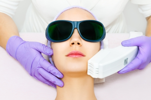 Dra. Gina Matzenbacher - Dermatologia - Laser