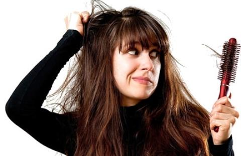Dra. Gina Matzenbacher - Dermatologia - Queda de cabelo e alopécias