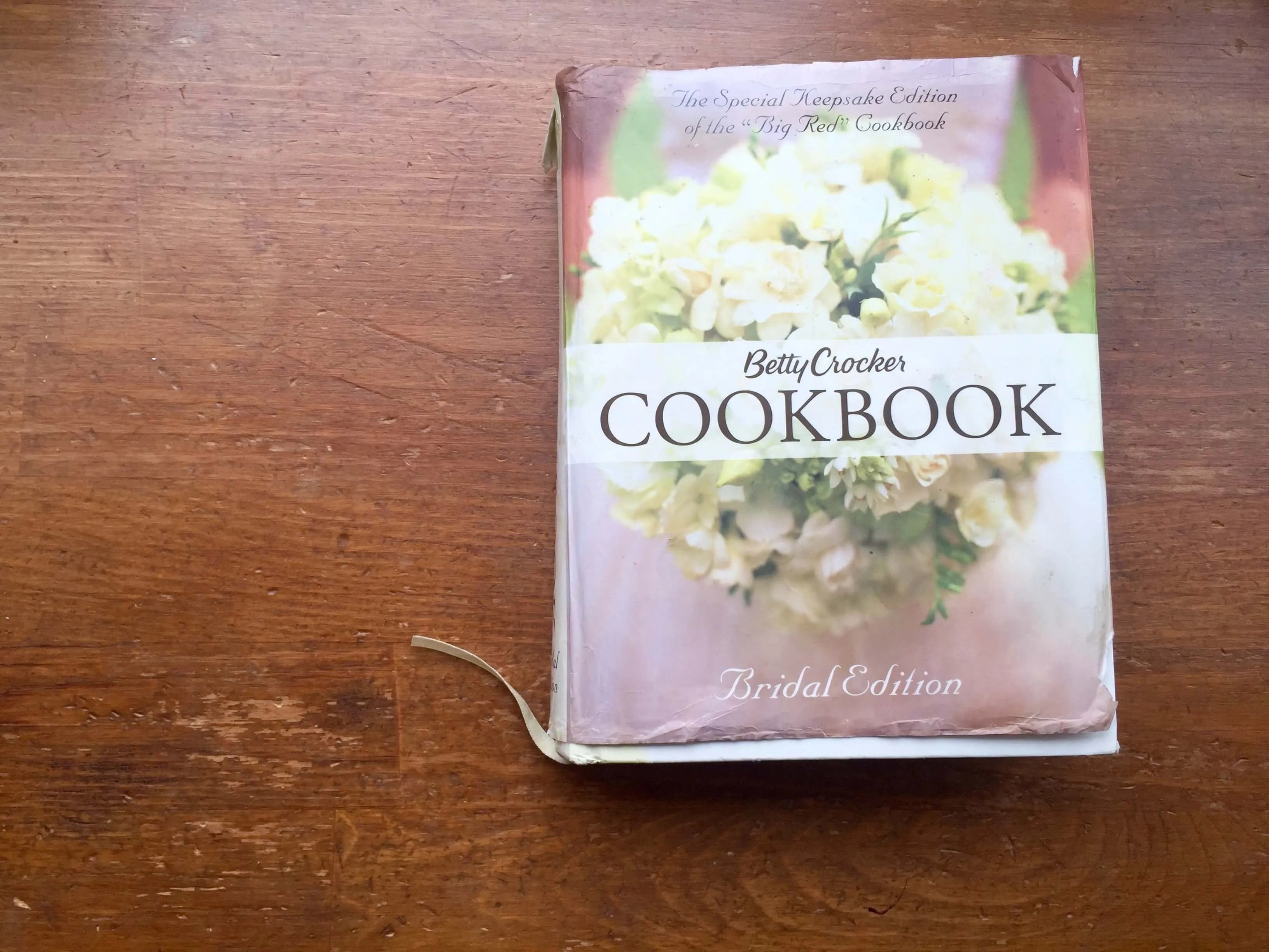 Betty Crocker Cookbook: Teach Yourself How To Cook