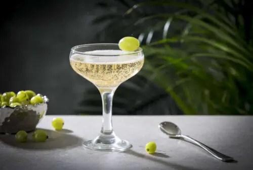 Billede af en cocktail med edinburgh gooseberry gin