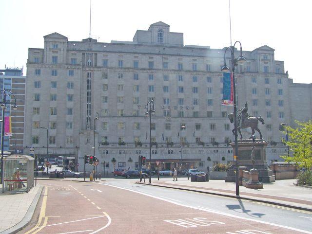 Queens_Hotel,_Leeds