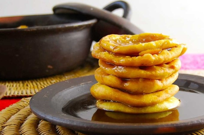 Chilean Breakfast Pancakes: Sopaipillas