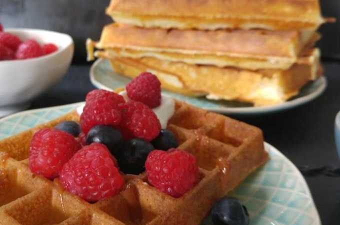 Quick and Easy Low-Sugar Lemon-Infused Waffles