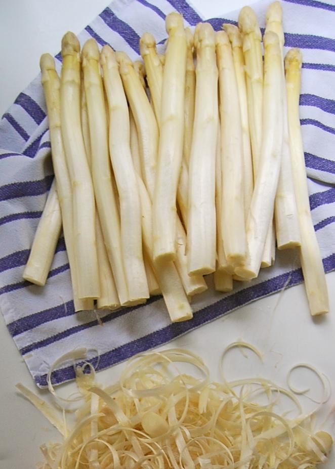 White Asparagus peeled