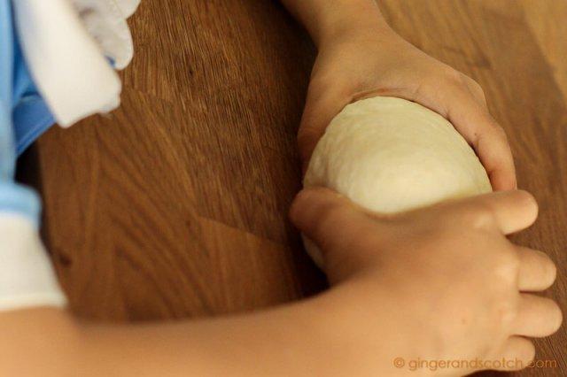Pat Udon Dough Into a Ball