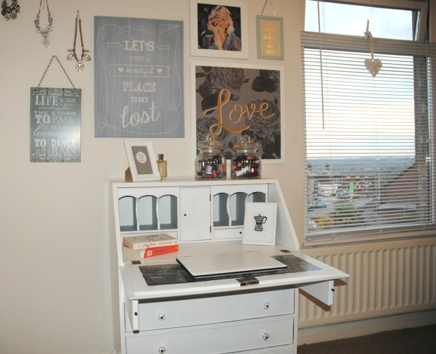hillarys-bedroom-makeover-spare-room-diy-writing-bureau-white
