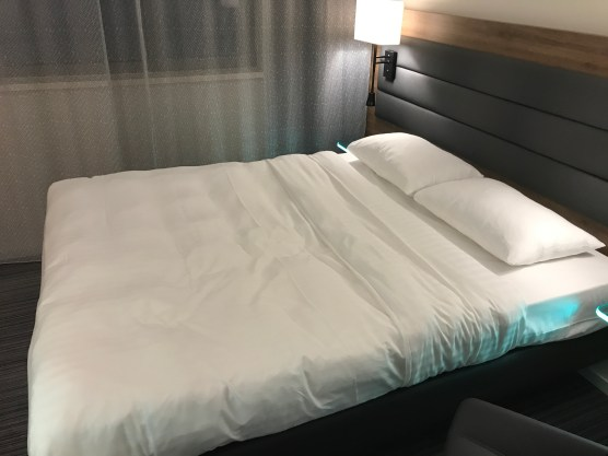 Moxy hotel Vienna queen sized bed