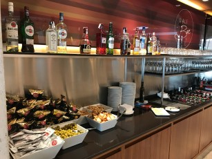 Snacks and spirits at the Iberia Sala Dalí in Madrid T4