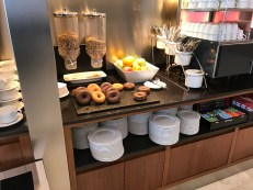 Mmmmm, donuts at the Iberia Sala Dalí in Madrid T4