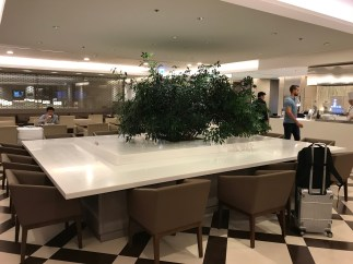 JAL First Class lounge Haneda seating area