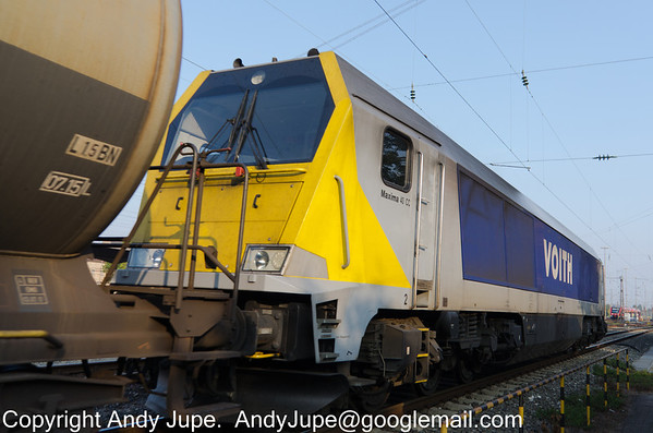 Voith Maxima 40 CC, number 264 003-5 passes Fürth (Bay) station on the 8th of October 2013