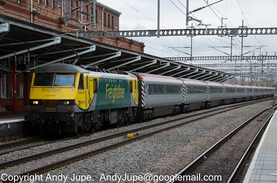 90 049 heads north through Rugby with 1T91 16:50 London Euston to Liverpool Lime Street footex on the 14th April 2012