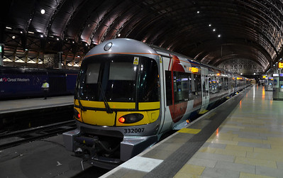 332 007 sits at London Paddington on the night of the 13th July 2011
