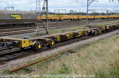 FEA-S 640918 in the consist of 4M29 05:10 Felixstowe - Barton Dock at Basford Hall Yard, Crewe on the 17th March 2012