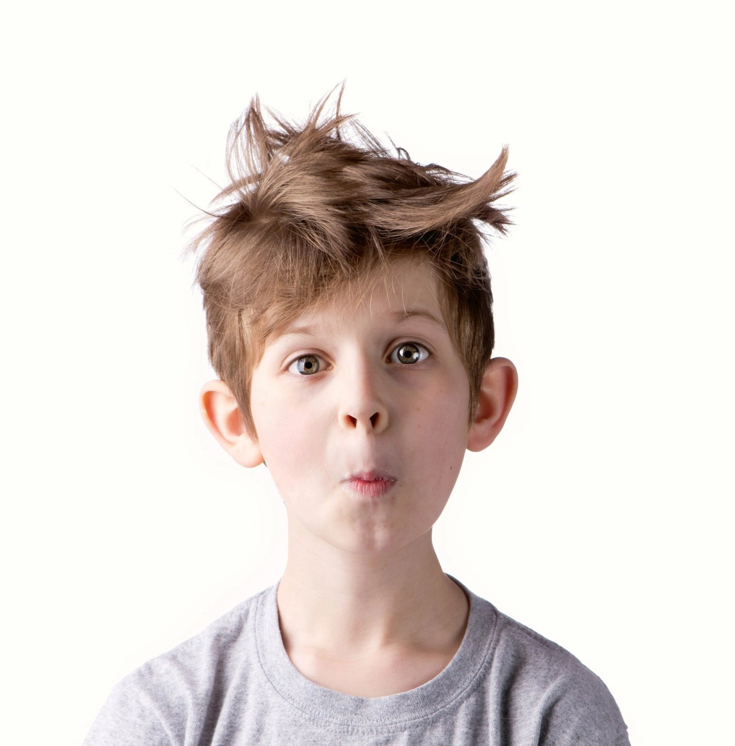 Young boy head lice treatment