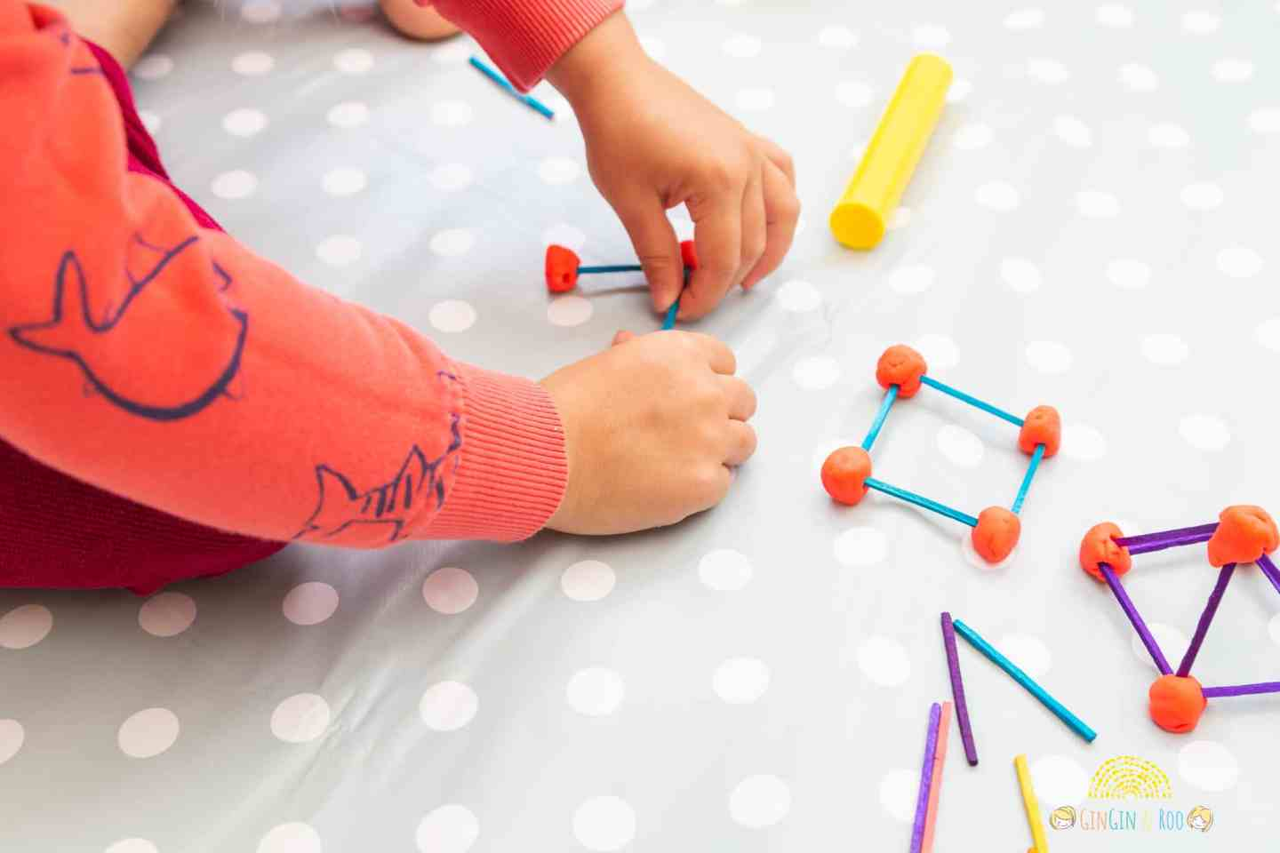 Making Matchstick Shapes. A fun maths activity from GinGin & Roo #toddleractivity #toddlerlearn #toddlereducation
