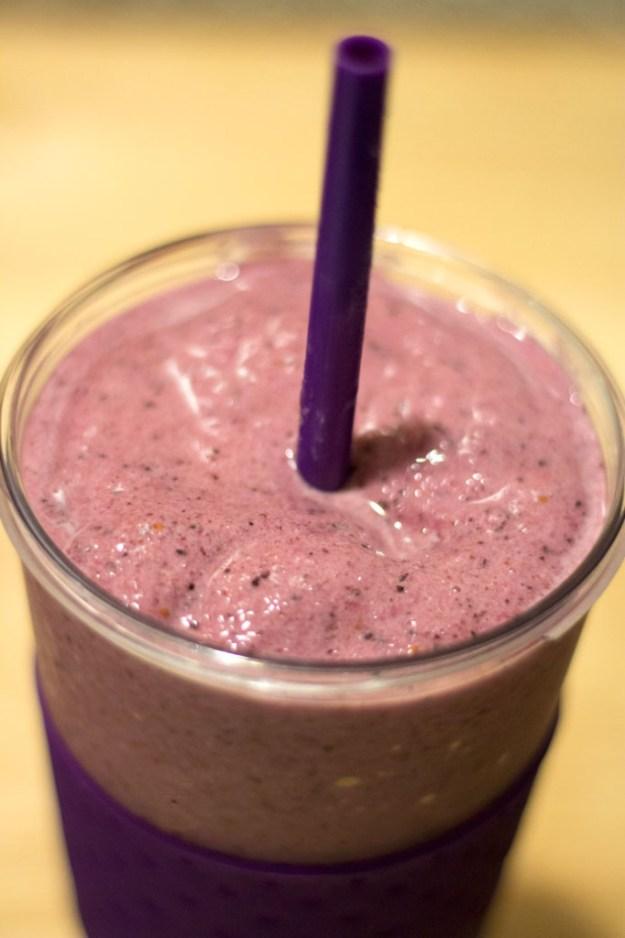 Blueberry Pineapple Smoothie 3