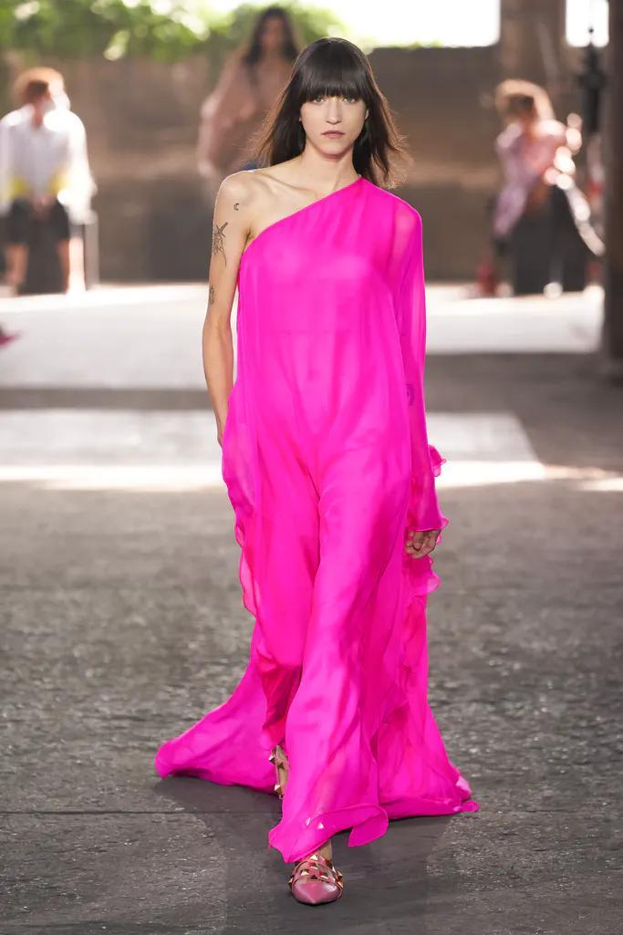 colore rosa acceso estate 2021