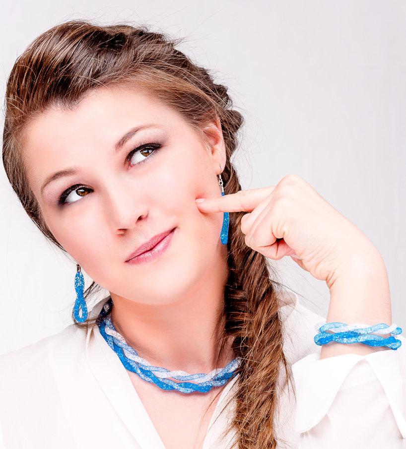 collana bianca azzurra argento