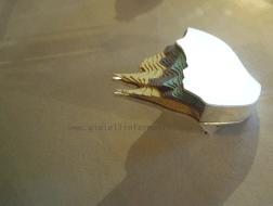 Li-Chu Wu Montagna I, spilla, carta, argento Moutain I, brooch, paper, sterling silver