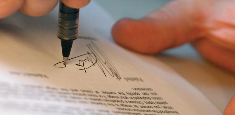 Veja os principais cuidados ao elaborar um contrato