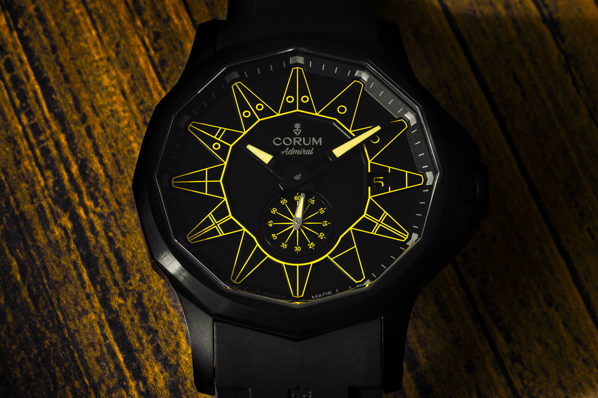 Admiral Legend 42 Automatic All Black in versione gialla