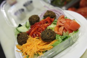 Falafel Salad, 2014, 2015, deep house, Sinatra, beer, taps, bar, grill, Philadelphia,pa, bricks, filial bar, pizza, happy hour, center city, del frisco, lounge, bar,cheap, 5 stars