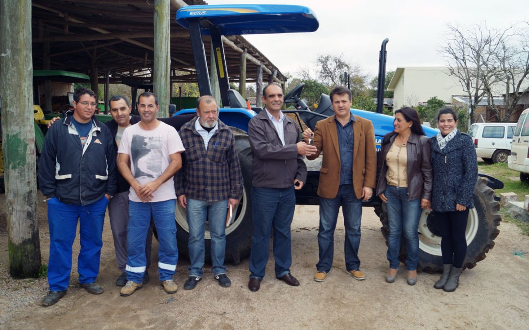 Giovani Cherini entrega equipamentos para patrulha agrícola de Capão do Leão