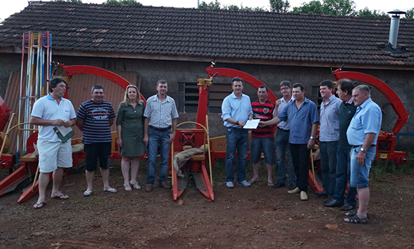 Crissiumal recebe equipamentos agrícolas de Giovani Cherini