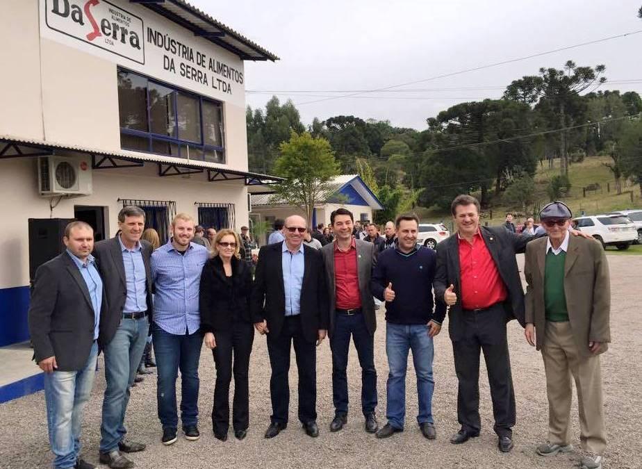 Giovani Cherini participa de inauguração de frigorífico em São José do Herval