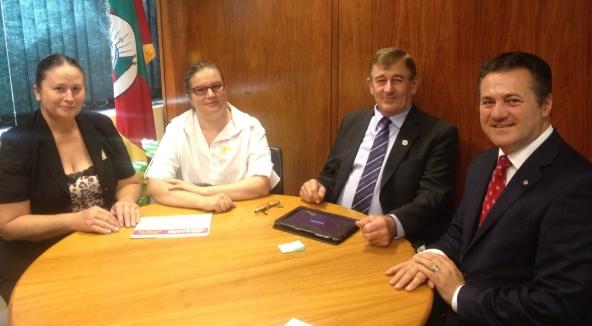Deputado Federal Giovani Cherini acompanha pleitos de Coronel Barros em Brasília